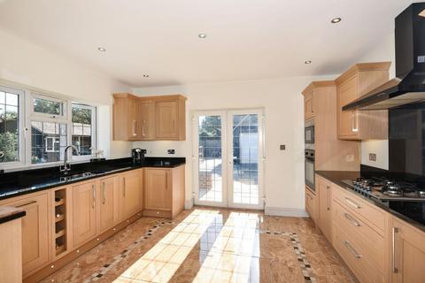 3 bedroom detached bungalow to rent - Virginia Water,  Surrey,  TW20