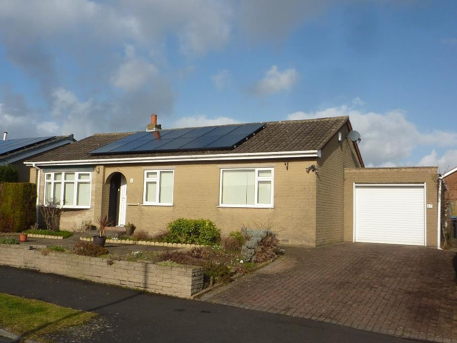 3 Bedrooms Detached Bungalow for sale in Winton Road, Northallerton