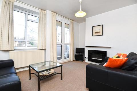 2 bedroom apartment to rent - Townshend Road, St John`s Wood, NW8