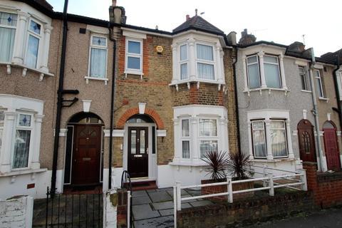 3 bedroom terraced house for sale - Herbert Road, Seven Kings IG3