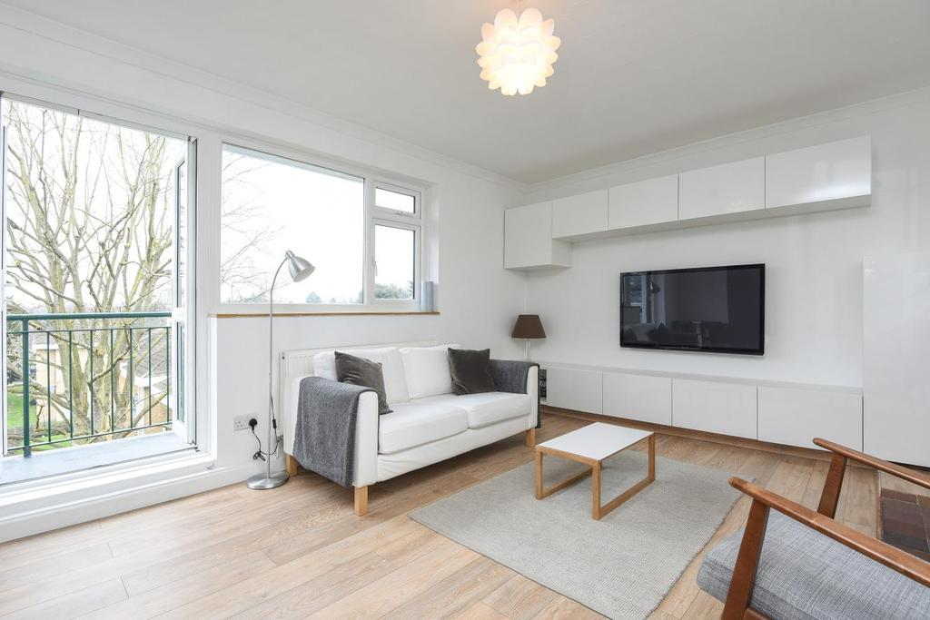 1 Bedroom Flat for sale in Smithwood Close, Southfields