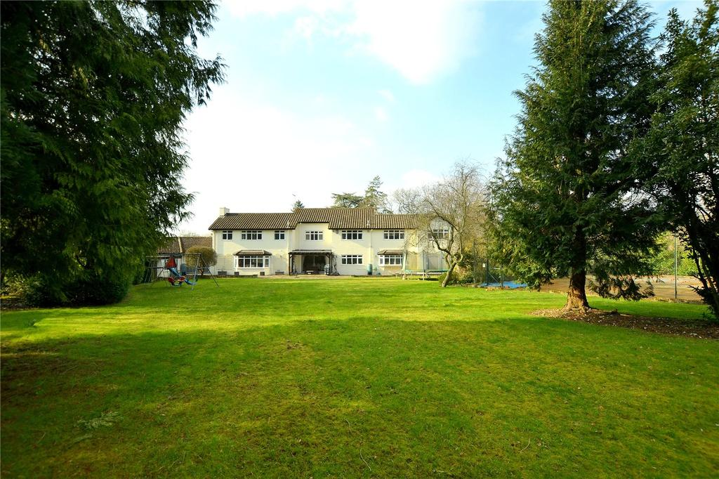 4 Bedrooms Detached House for sale in Forest Edge Road, Crow, Ringwood, Hampshire, BH24