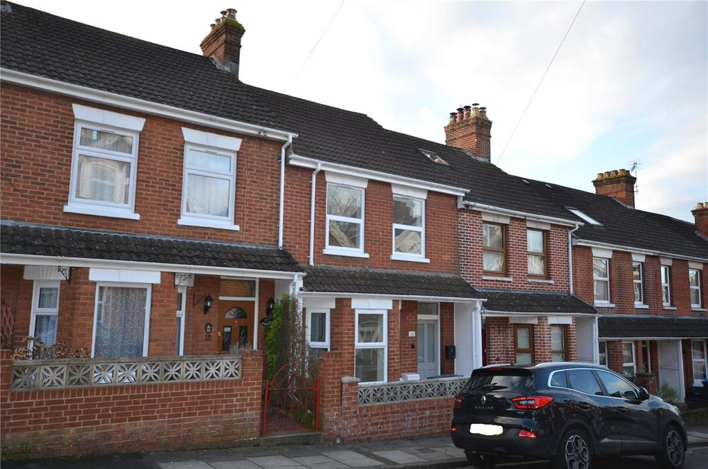 3 Bedrooms Terraced House for sale in Hamilton Road, Salisbury, Wiltshire, SP1