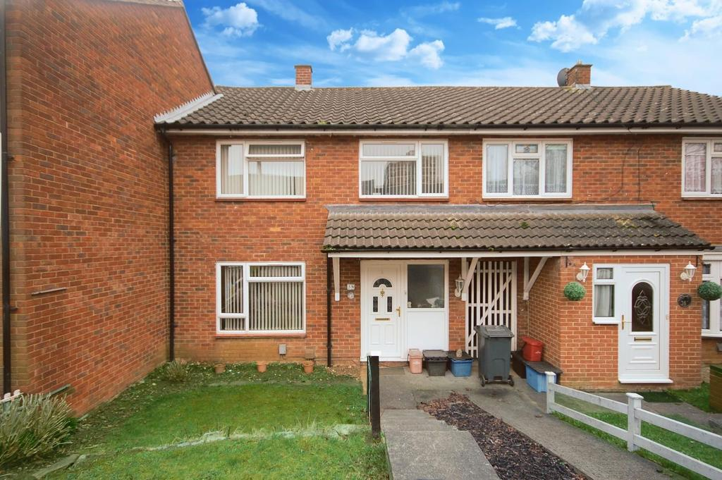 3 Bedrooms Terraced House for sale in Penn Road, Stevenage