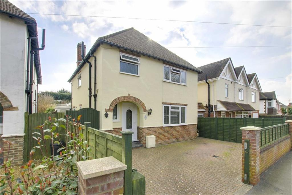 3 Bedrooms Detached House for sale in Vale Road, Seaford