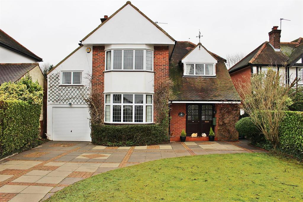 4 Bedrooms Detached House for sale in Beaumont Avenue, St. Albans