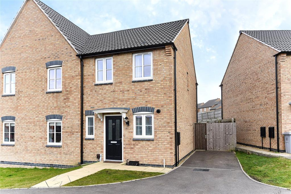 2 Bedrooms Semi Detached House for sale in Bamburgh Close, Grantham, NG31