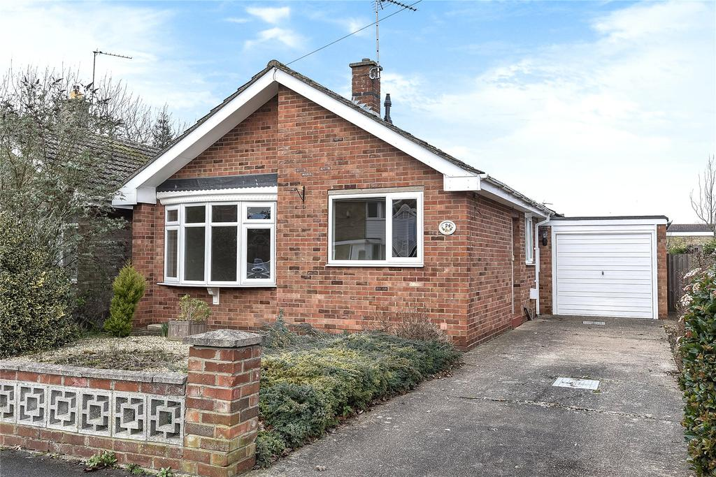 2 Bedrooms Detached Bungalow for sale in Stephens Way, Sleaford, NG34