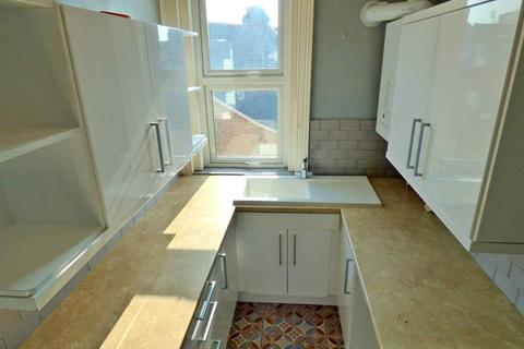 2 bedroom apartment to rent - WESTBOURNE - MODERN TWO BEDROOM FLAT