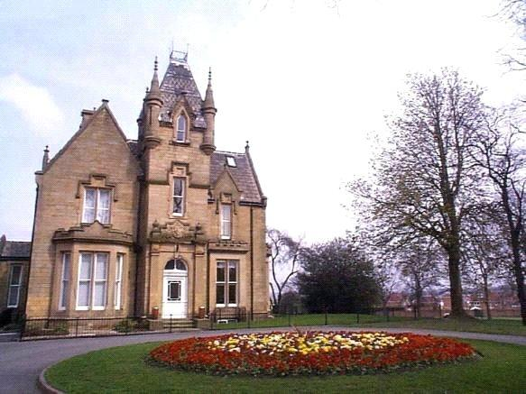 2 Bedrooms Apartment Flat for sale in Westroyd Hall, New Street, Pudsey, West Yorkshire
