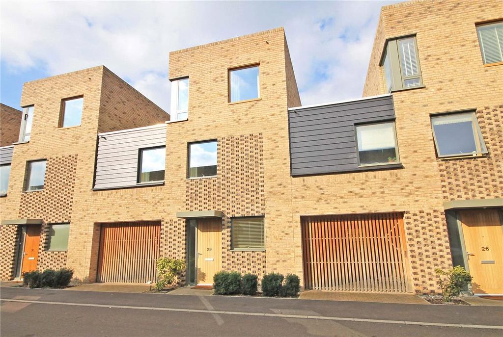 4 Bedrooms Terraced House for sale in Chaplen Street, Trumpington, Cambridge, CB2