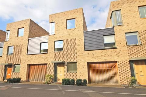 4 bedroom terraced house for sale - Chaplen Street, Trumpington, Cambridge, CB2