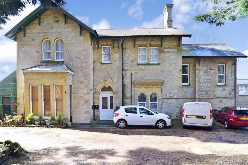 2 Bedrooms Apartment Flat for sale in St. Johns Road, Wroxall, Isle of Wight