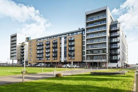 2 bedroom apartment for sale - Douglas House, Ferry Court, Cardiff