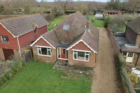 5 bedroom detached house for sale - Kirdford Road, Wisborough Green