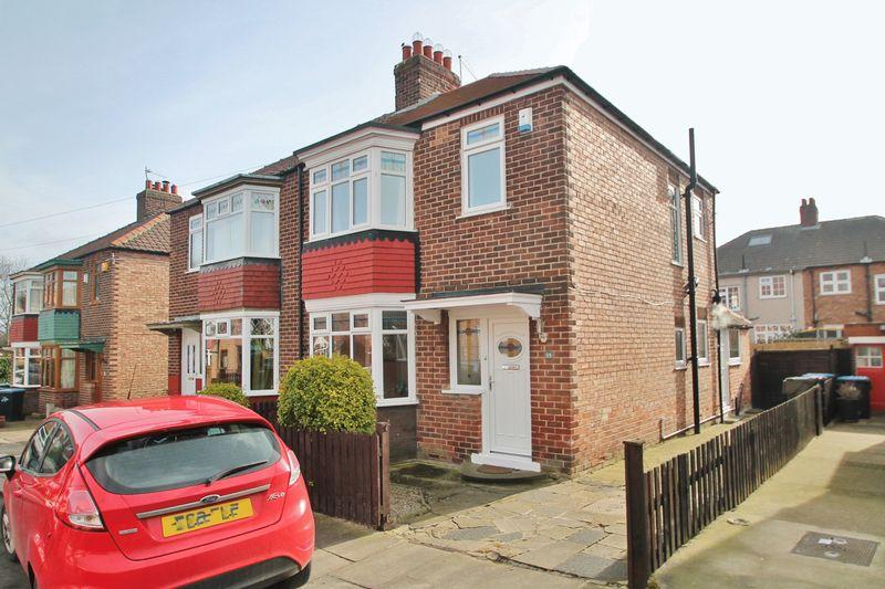 3 Bedrooms Semi Detached House for sale in Ravenscroft Avenue, Linthorpe