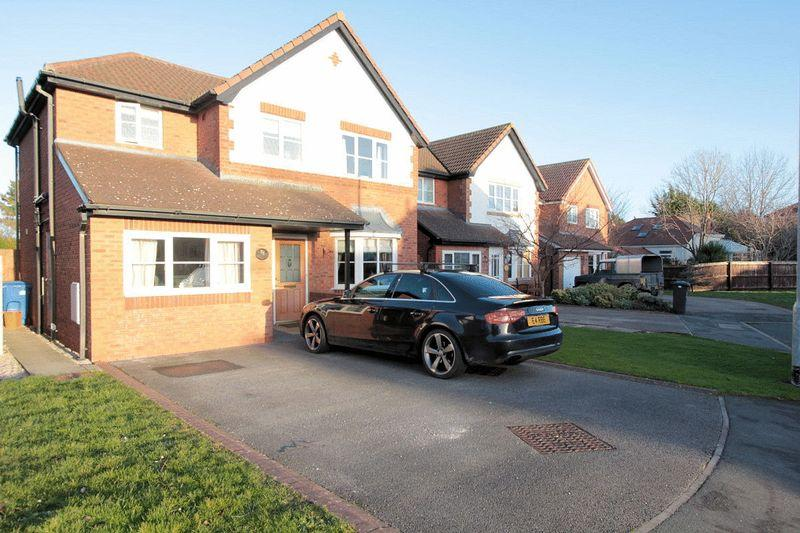 4 Bedrooms Detached House for sale in Lon Hafren, Rhyl