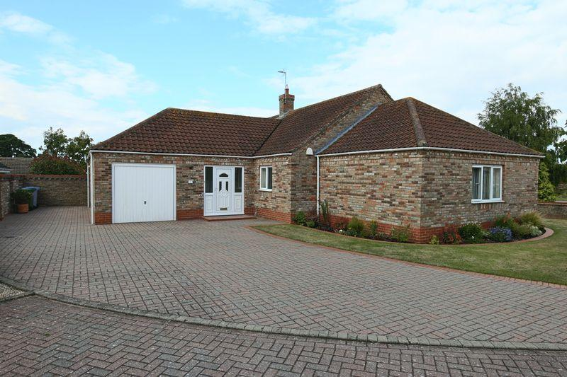 3 Bedrooms Detached Bungalow for sale in Welbeck Close, Beccles