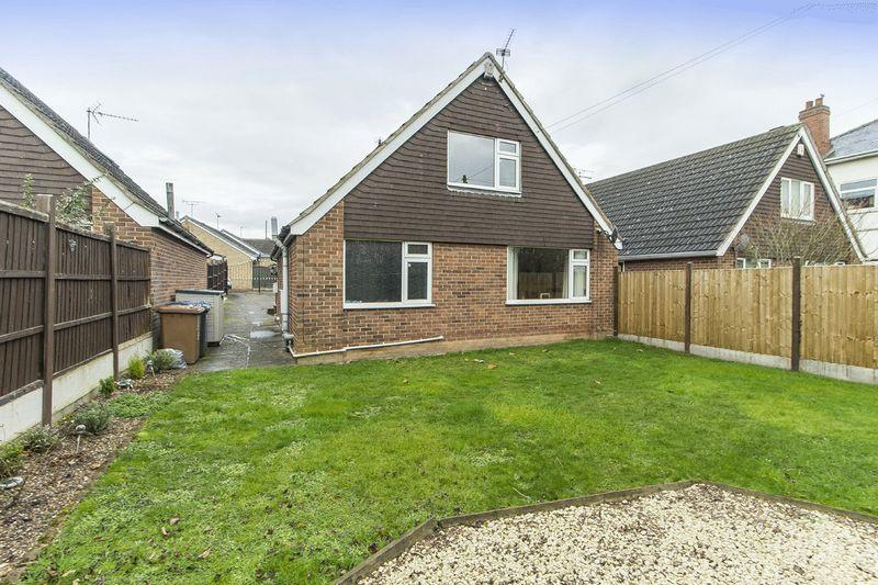 3 Bedrooms Detached House for sale in PINE CLOSE, CHADDESDEN