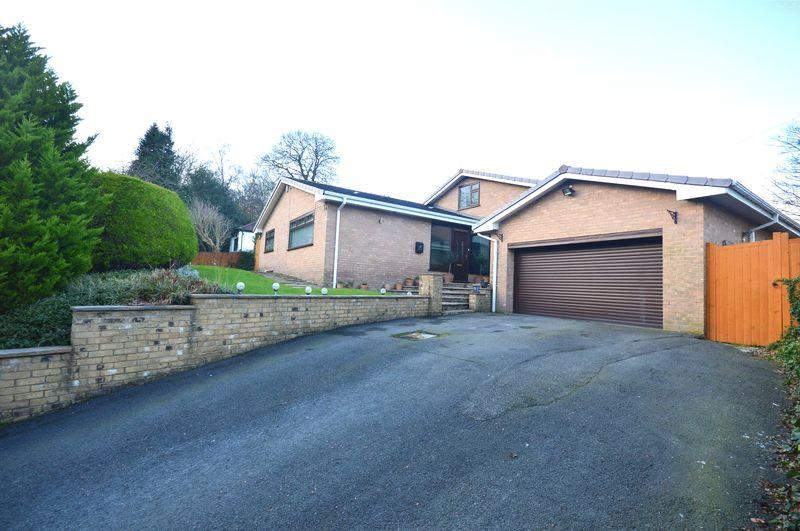 4 Bedrooms Detached Bungalow for sale in Runnymede Close, Woolton