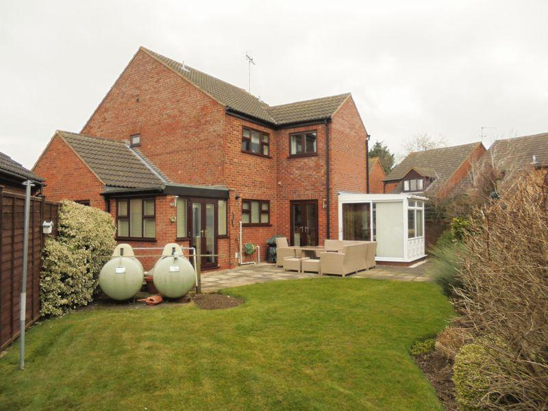 4 Bedrooms Detached House for sale in Blacksmiths Close, Sedgeberrow, Evesham