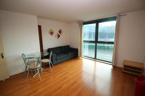 2 bedroom apartment to rent - City Point 2, 156 Chapel Street,  Salford, M3