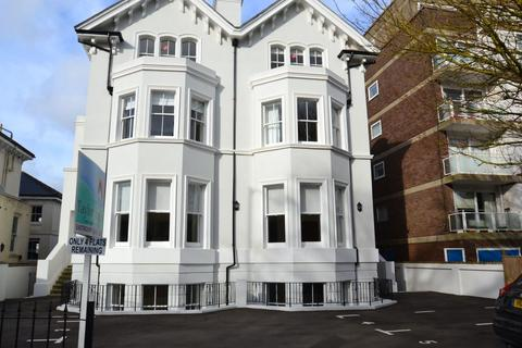 2 bedroom flat to rent - Trinity Trees, Eastbourne BN21