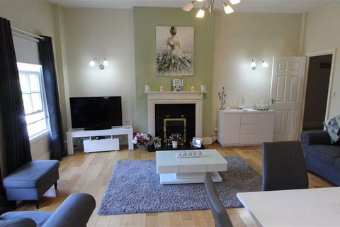 2 bedroom flat to rent - The Grove, Lymm, Cheshire