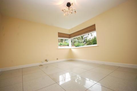 2 bedroom flat to rent - Manor Park Road Chislehurst BR7