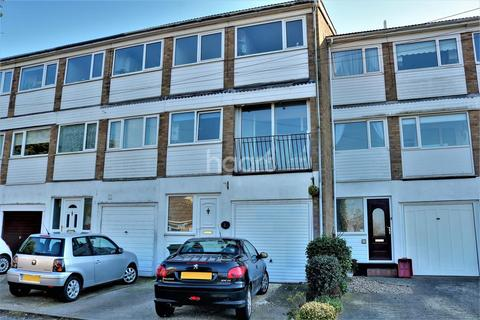 4 bedroom terraced house for sale - Holland On Sea