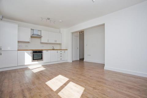 2 bedroom flat to rent - Rutford Road, London, SW16