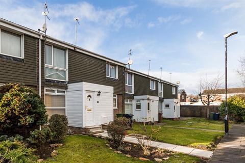 2 bedroom flat to rent - Marbury Close, Moorside, Sunderland