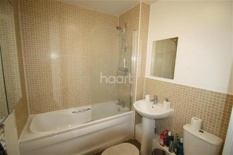 2 bedroom flat to rent - Grand Union Village