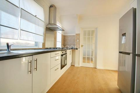 3 bedroom semi-detached house for sale - Hawthorne Avenue, Sheerness