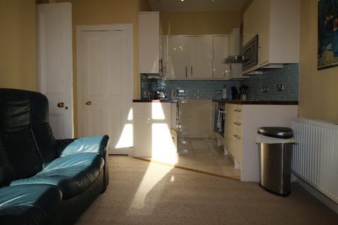2 bedroom flat to rent - Lochrin Buildings , Tollcross, Edinburgh, EH3 9NB