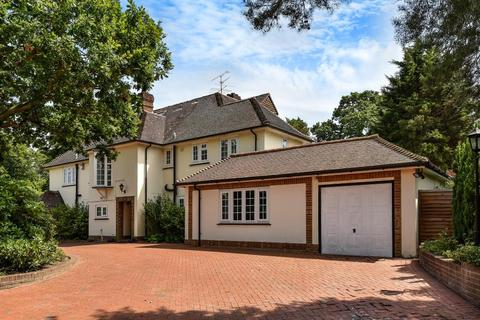 6 bedroom detached house to rent - Heath Rise, Camberley, GU15