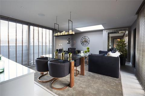 5 bedroom mews to rent - Cotswold Mews, Battersea, London, SW11