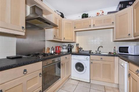 2 bedroom apartment for sale - Gras Lawn, St Leonards, Exeter, Devon, EX2