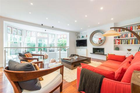 2 bedroom flat for sale - Arkwright Road, Hampstead, London