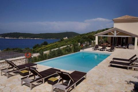 4 bedroom detached house  - Villa Daphne, Kassiopi, Corfu