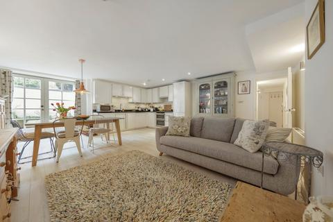 2 bedroom flat for sale - Ashbury Road, SW11