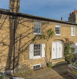 3 bedroom terraced house for sale - Willow Walk, Cambridge, CB1