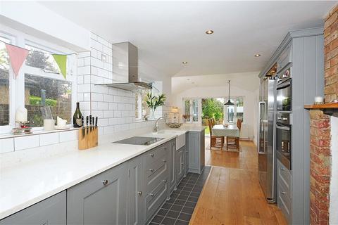 4 bedroom semi-detached house to rent - Vansittart Road, Windsor, Berkshire, SL4