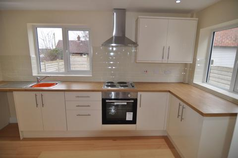 3 bedroom semi-detached house to rent - Windhill Crescent, Staincross