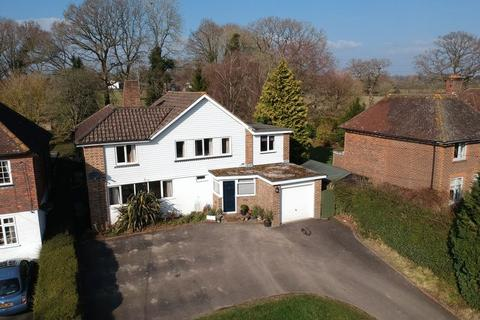 4 bedroom detached house for sale - Newpound Lane, Wisborough Green