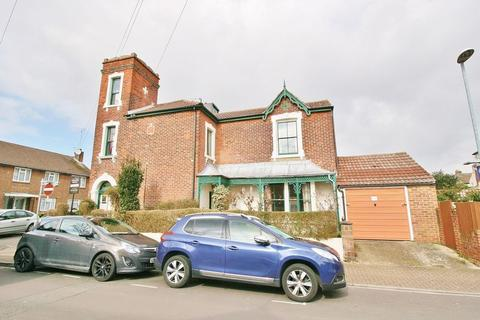 4 bedroom terraced house for sale - Harold Road, Southsea