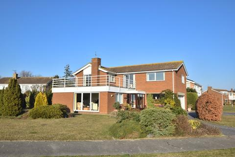 4 bedroom detached house for sale - Beacon Heights, Clacton-on-Sea, CO16 8JW