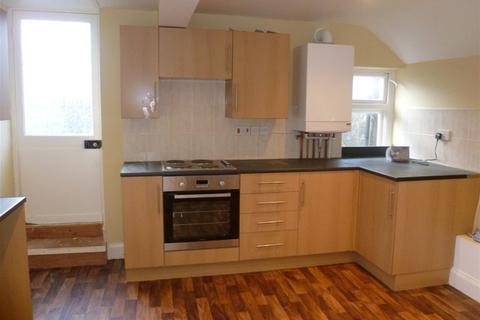 3 bedroom flat to rent - Market Place, Warminster, Wiltshire