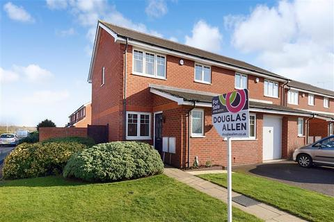 3 bedroom semi-detached house for sale - Rochester Road, Hornchurch, Essex