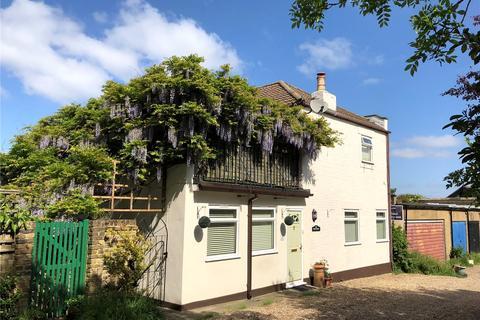 2 bedroom detached house for sale - Occupation Lane, Shooters Hill, London, SE18